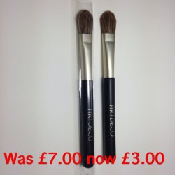 Eyeshadow or concealer brush