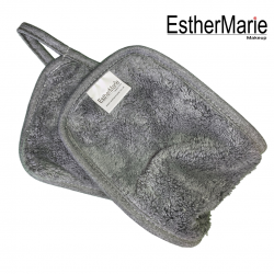 EstherMarie makeup remover cloth comes with a free pro bag worth £2